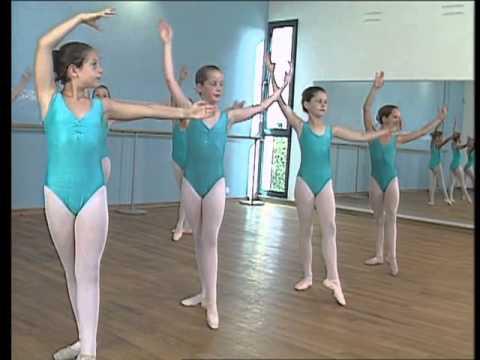 les-bases-de-la-danse-classique-(7/14)---le-corps