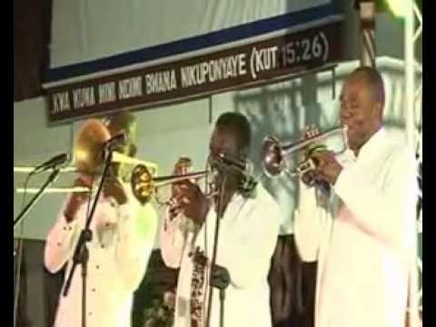 Moses and friend LOve song to Jesus Saxophone nite mbezi beach 2016