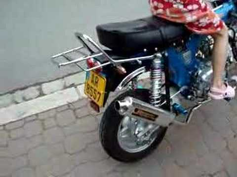 honda dax 125 yoshimura exhaust youtube. Black Bedroom Furniture Sets. Home Design Ideas