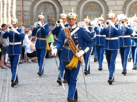 Swedish Royal Guard Band Exiting The Palace Ceremony Youtube