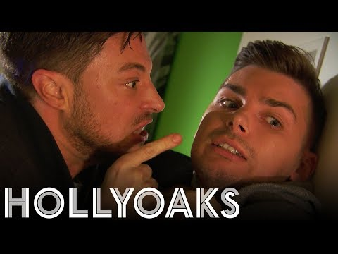 Hollyoaks: Ryan On The Loose!