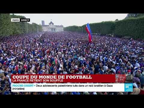 En IMAGES - Une foule immense à Paris avant FRANCE - CROATIE