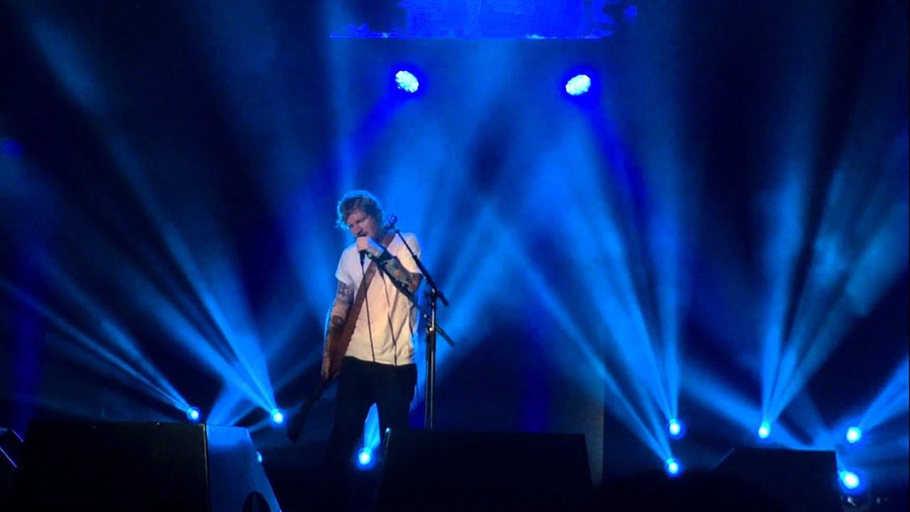 Ed Sheeran - Tenerife Sea - Live in Kuala Lumpur - YouTube