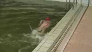 Я учусь плавать