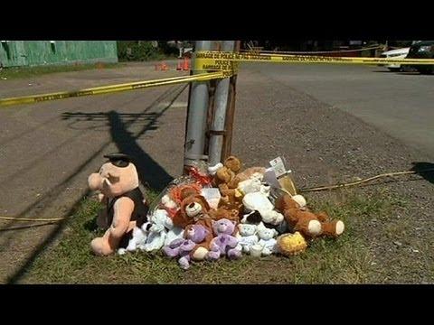 Bambini uccisi da pitone. Autopsia: morti asfissiati