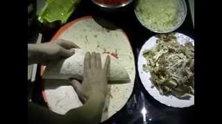 Шаурма (морковь по-корейски, маринованная капуста, курица с картофелем)