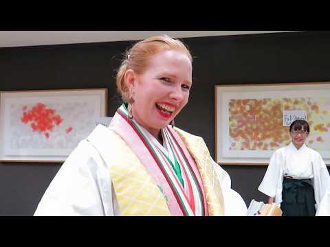 Junihitoe Kimono - The Dressing Process