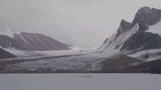Озеро Петрова – самое большое ледниковое озеро в Кыргызстане.