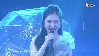 Em gái mưa - Hương Tràm trên sân khấu Nghệ An