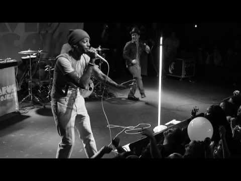 Travie McCoy: Billionaire ft. Bruno Mars (LIVE)