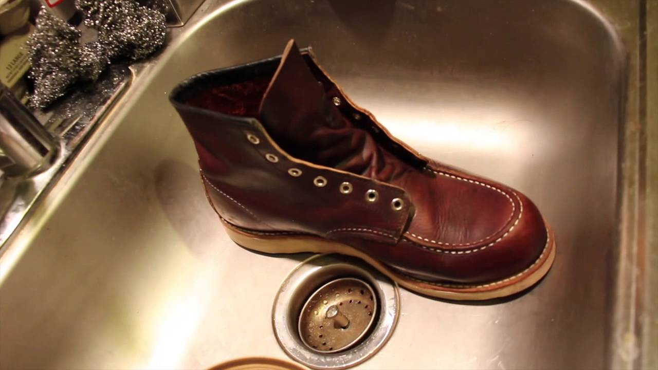 Red Wing 8138 Boot Care - YouTube