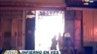 Villa El Salvador: Feroz incendio en Parque Industrial