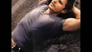 Nick Lachey - On your Own.