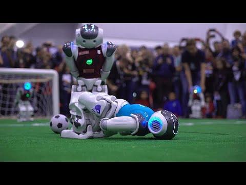 شاهد: روبوتات تتنافس في مباراة لكرة القدم في إيطاليا  - 06:53-2019 / 10 / 22