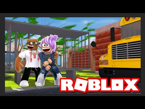 RIDING THE BUS IN ROBLOX (Roblox Bus Stop Simulator)
