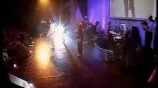 Божья Коровка - Танцы по-русски(Танцы по-русски -- юмористический русскоязычный кавер, который в данном варианте больше напоминает персона..., 2009-04-19T14:10:12.000Z)