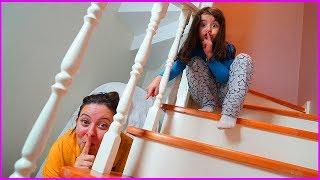 Rüya ve Özlem Evde Saklambaç Oyunu Oynuyorlar l Çocukcuk