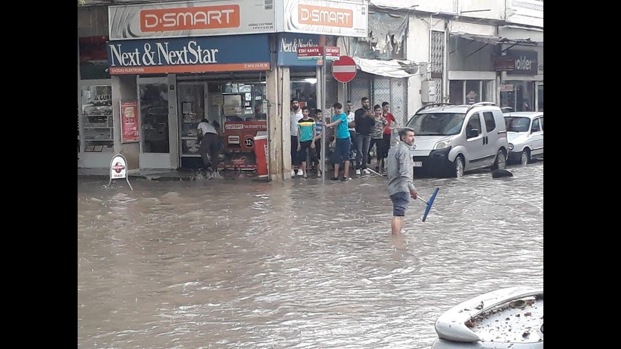 Adıyaman'da Şiddetli Yağan Yağmur Hayatı Olumsuz Etkiledi