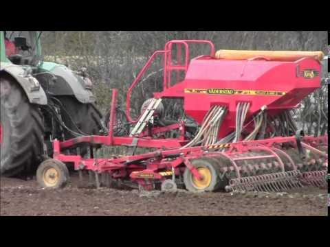 Drilling spring barley.2015
