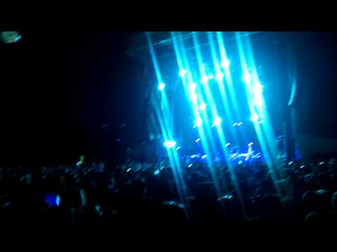Phish & 40k Magnaball fans sing Happy Birthday