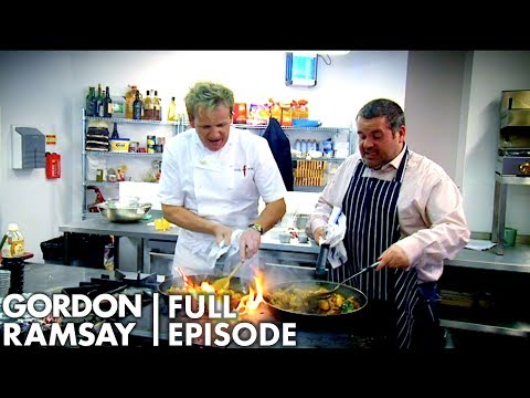 Gordon Ramsay Demonstrates How To Cook A Curry In Under 20 Minutes | The F Word