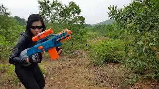 Action movies Nerf War   beautiful girl assassin revenge, games gun nerf guns