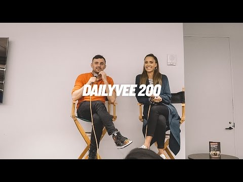 JESSICA ALBA AND BUILDING A BUSINESS EMPIRE | DailyVee 200