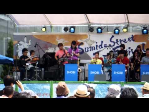 "Shoubi Music school big band played ""Sing Song Song"""