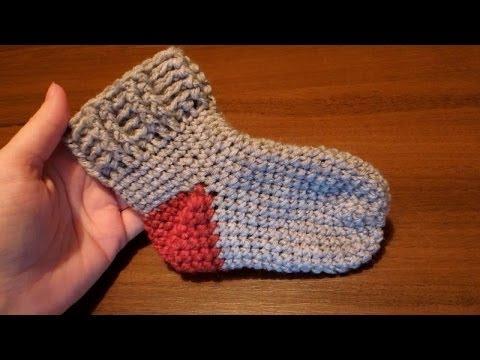 Простые носки крючком (пятка оформляется в конце вязания)