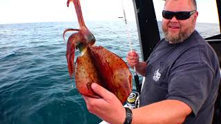 SEVEN SQUID in 7 CASTS THEN THE HERO TURNS UP - YouFishTV