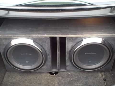 2 Rockford Fosgate P3 12 Subwoofers Playing Young Money