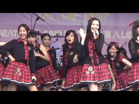 JKT48 Team T Pensi SMAN 5 Depok