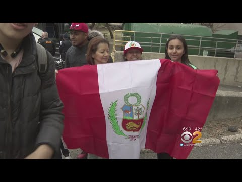 Peruvian Soccer Fans Go Bananas In Advance Of Friendly Against Iceland In N.J.