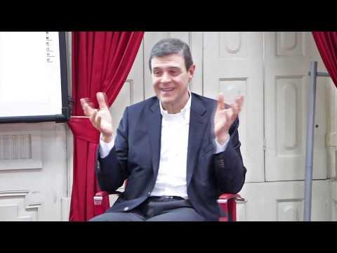"""Entrevista: """"Da Ciência ao Amor"""" - Doutor Luís Portela"""