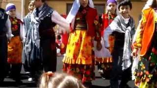 Yunus Cem Güzel - 23 Nisan kutlamaları halk oyunu gösterisi.