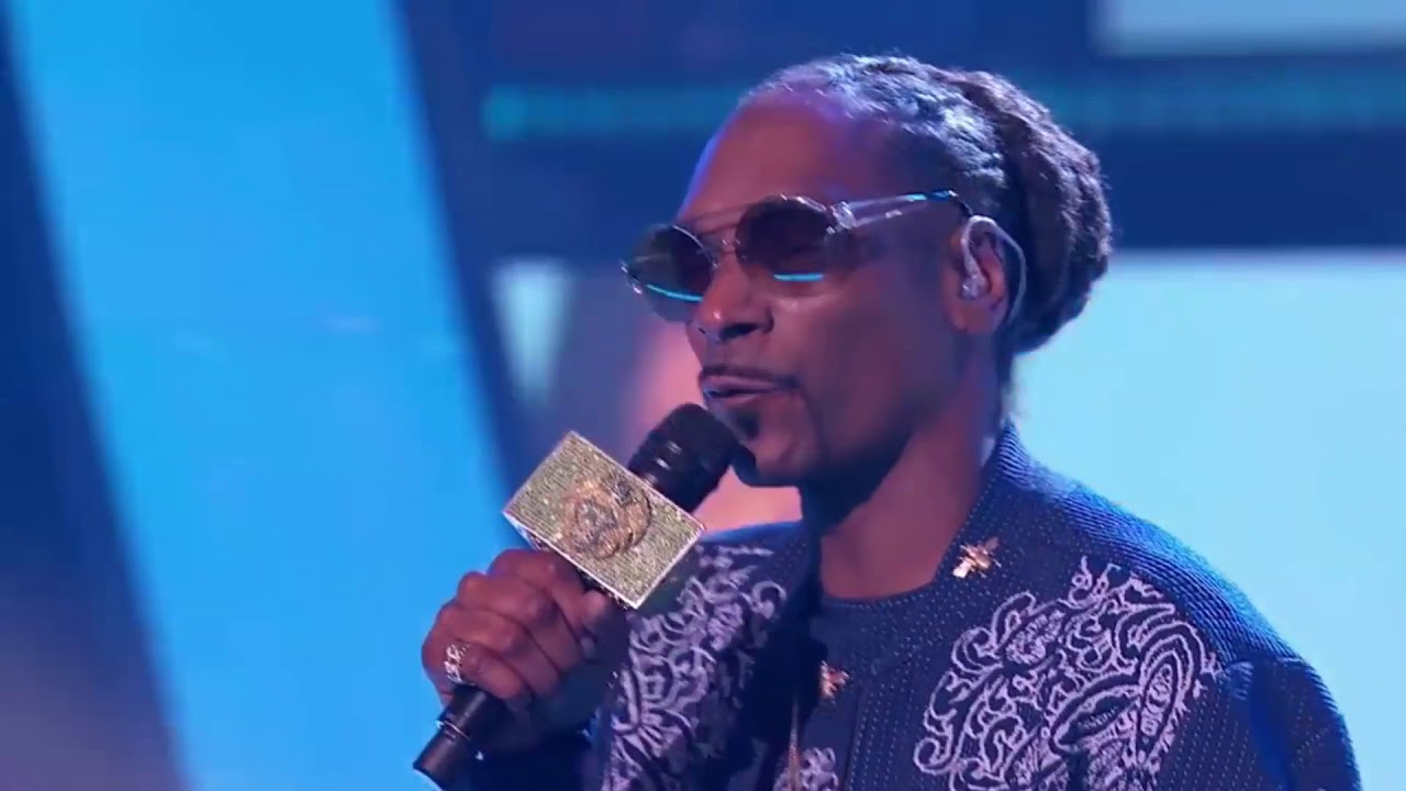 Download Snoop dogg hits the stage /season 1 eps. 9 / SHOW TIME AT THE APOLLO