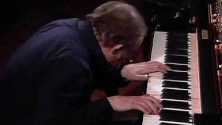 Goldberg Variations BWV 988 (Glenn Gould, 1981) - 4/7