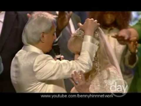 Benny Hinn prays for Suzanne Hinn