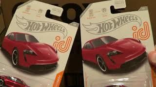 2021 Hot Wheels L Case: Box Opening Video