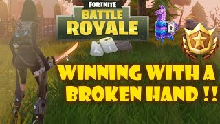 HELPING MY FRIEND WITH BROKEN HAND WIN HIS FIRST FORTNITE GAME(SECRET FORTNITE LLAMA FOUND!!!)