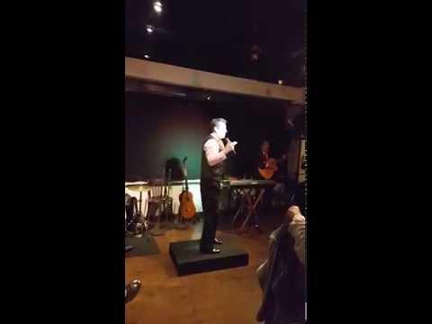 Raffa Valderrama ( Rafael Valderrama) canta