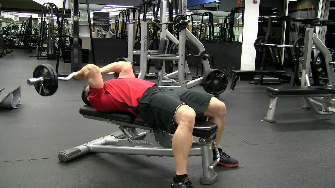 Flat Bench Ez Curl Bar Tricep Extension Youtube