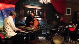 Laurent de Wilde Power Trío en Moser Café Kultur