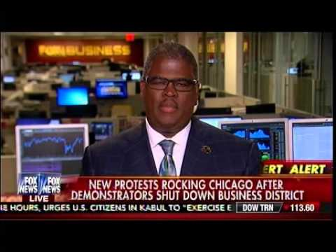 Shopper Clashes With Protesters Blocking Entrance To Chicago Store - Charles Payne - Cavuto