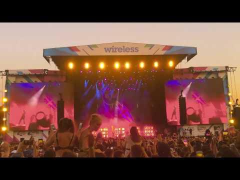 Drake Shutdown Wireless Festival 2018 With Giggs!!  Full 20 Mins Set.