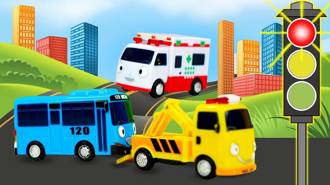 Tayo el autobús recoge a los pasajeros. Juguetes de dibujos animados. Vídeos para niños pequeños.