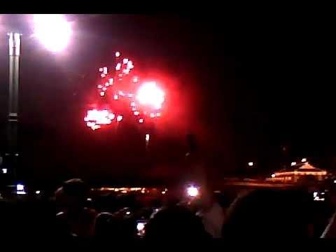 Bắn pháo bông giao thừa đón năm mới 2013 tại Bến nhà Rồng
