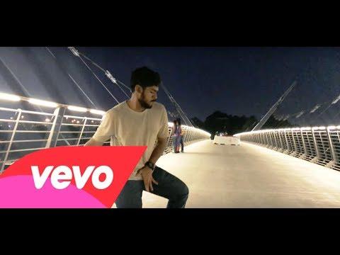 Ringa Ringa Video   Allu Arjun   Devi Sri Prasad   Dubai Version   Dance Video