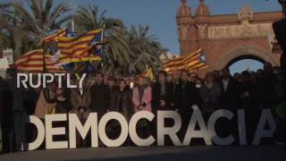 Spain  Thousands protest as former Catalan president stands trial in Barcelona