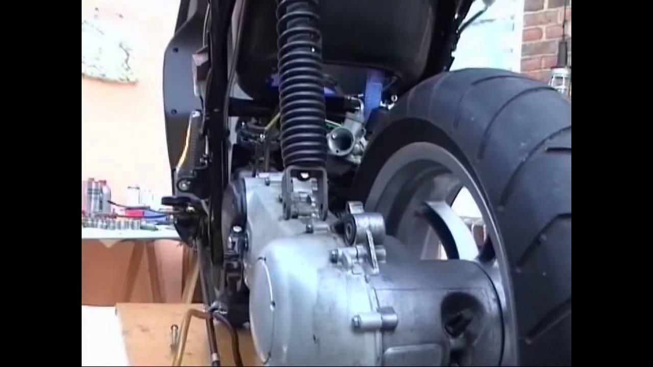 chap 05 07 05 08 engine nrg prep reinst motorvorbereitung rh youtube com manual de instrucciones derbi atlantis 50 2t Derbi Atlantis 50 Review